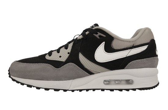 BUTY NIKE AIR MAX LIGHT ESSENTIAL 631722 001