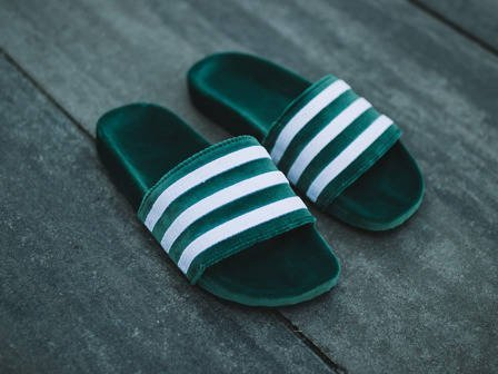 "Klapki damskie adidas Originals Adilette ""Core Green"" BY9907"