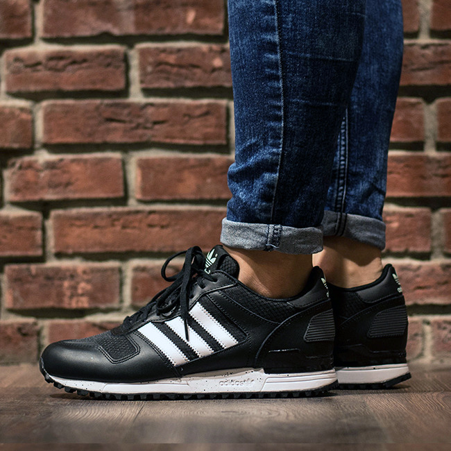 adidas Originals ZX 700 BlackSilver