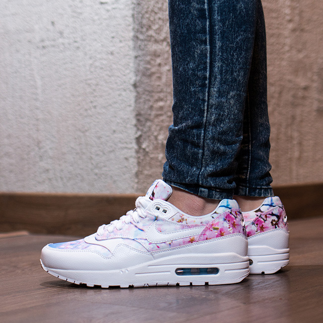 nike air max 1 cherry blossom