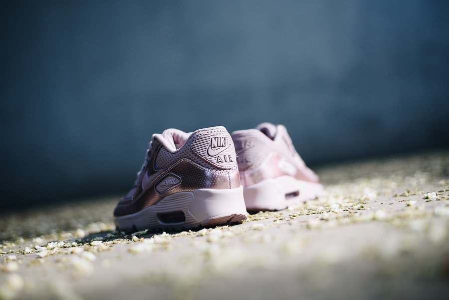 Buty damskie sneakersy Nike Air Max 90 Se Leather 859633 600