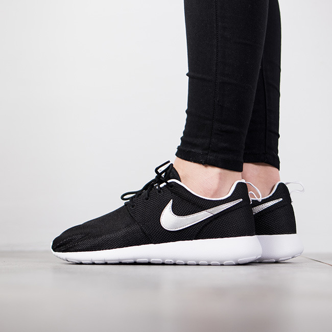 outlet store f42b9 c3dad Buty damskie sneakersy Nike Roshe One (GS) 599728 021 ...