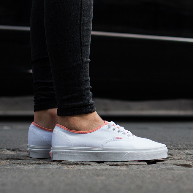 vans authentic białe