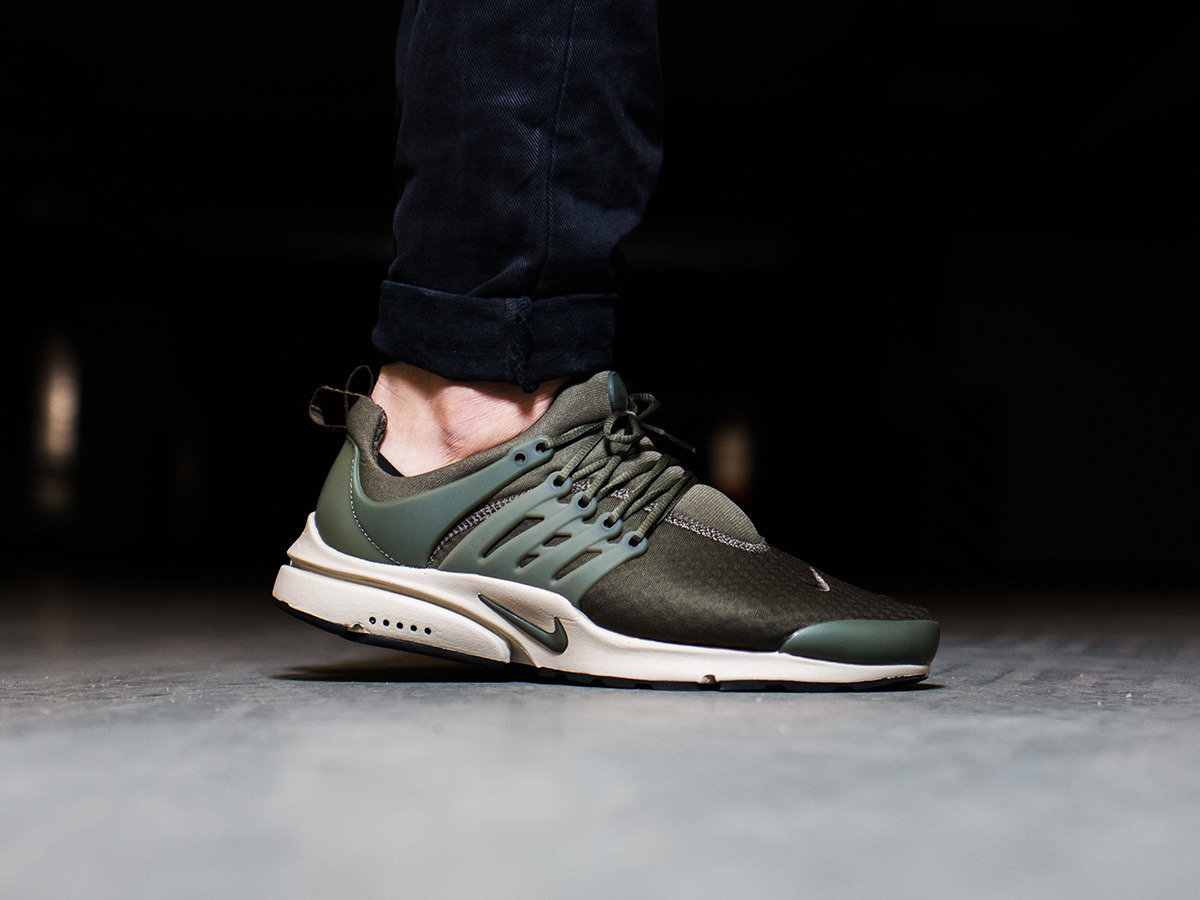 buty nike air presto essential all black