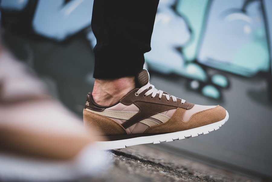 cfa128f88f3d91 ... Buty męskie sneakersy Reebok Classic Leather x Montana Cans Color  System CM9610 ...