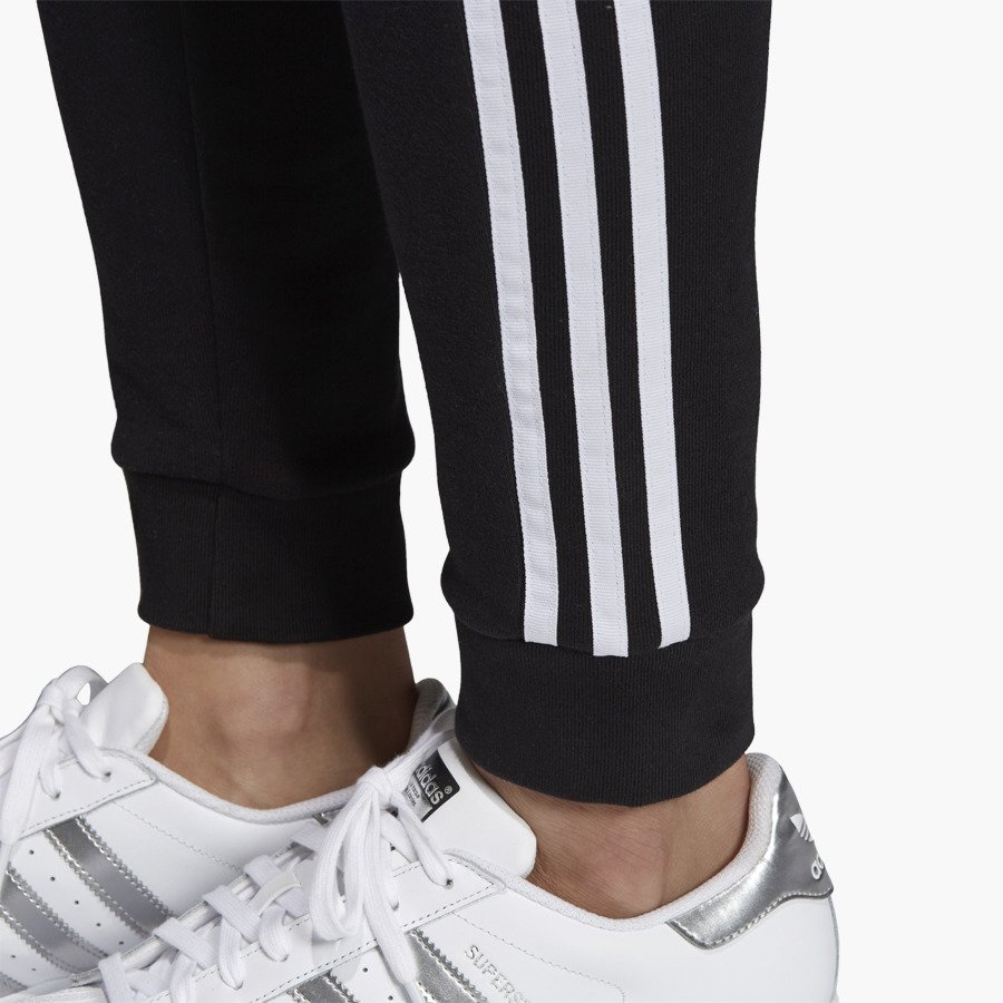 adidas originals regular tp cuffed in schwarz dh3123