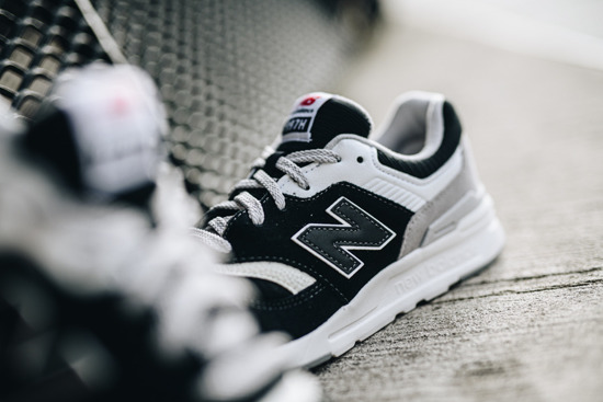 Buty damskie sneakersy New Balance GR997HDR
