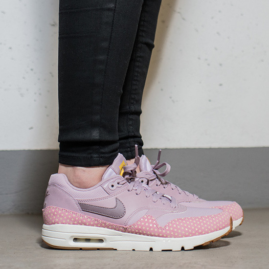 Buty damskie sneakersy Nike Air Max 1 Ultra Essential Plum Fog 704993 501
