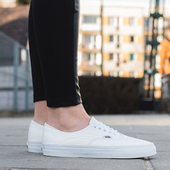 Buty damskie sneakersy Vans Authentic Decon Premium Leather 18CEWB