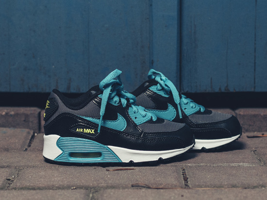 Buty dziecięce sneakersy Nike Air Max 90 Mesh (PS) 724825 004